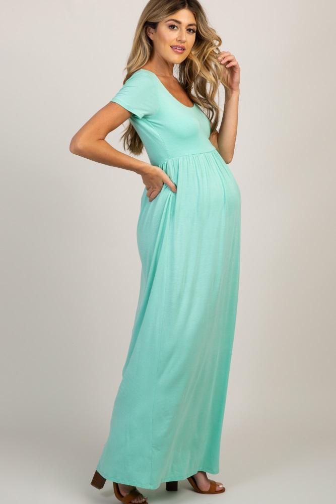 c1e3f6393 Green Solid Short Sleeve Maternity Maxi Dress