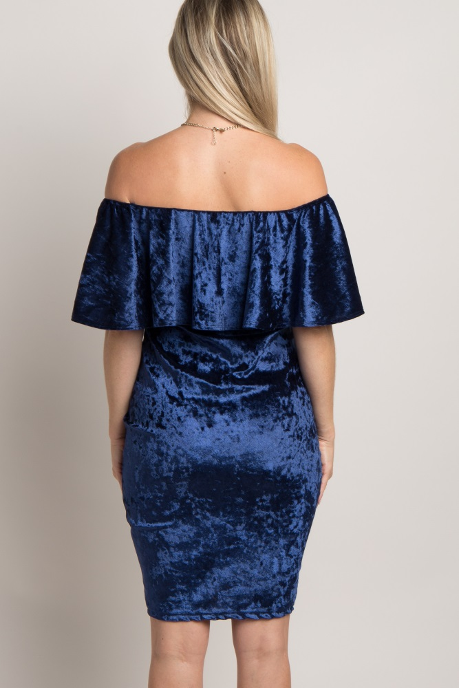 c3919ebadda36 Navy Crushed Velvet Off Shoulder Fitted Maternity Dress