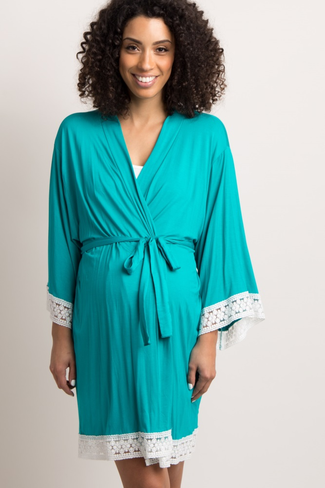 A solid delivery/nursing maternity robe. Crochet trim. Open front with tie closure.