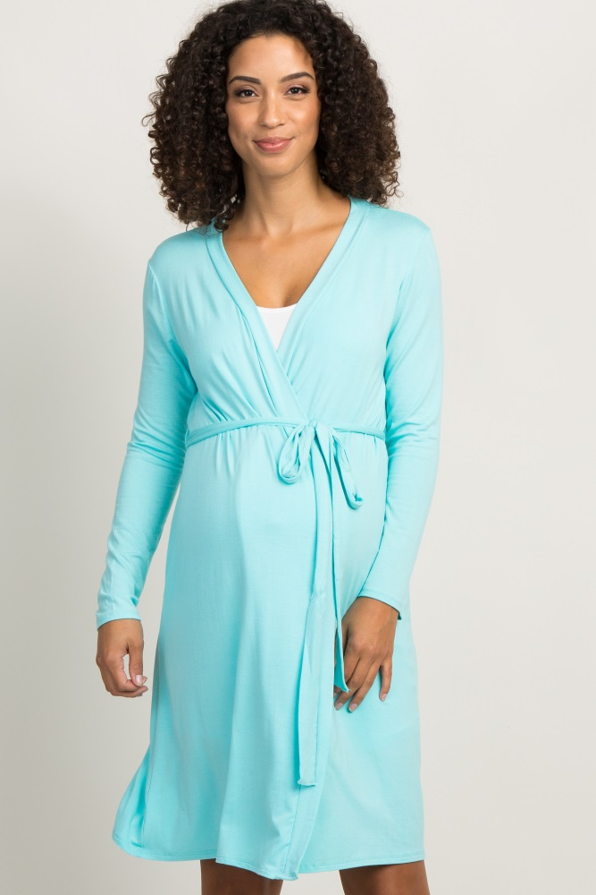 A solid hospital maternity robe with an open front and tie closure.