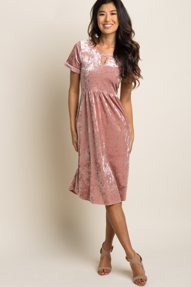 7b113e27da8fb Pink Crushed Velvet Cutout Maternity Midi Dress