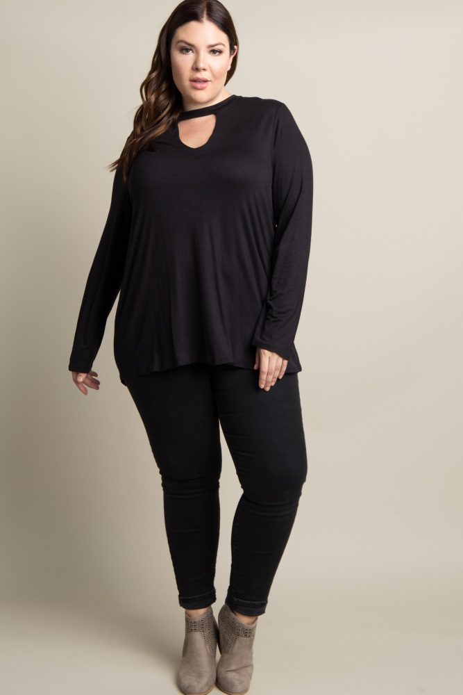 2409b21441d31 Black Solid Cutout Front Plus Maternity Top
